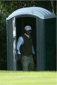 golf toilet 200x300