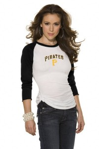 sexy pirates fan 200x300