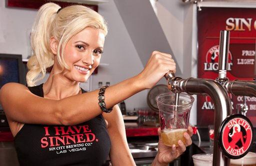 Holly Madison On Tap.0.0.0x0.512x332