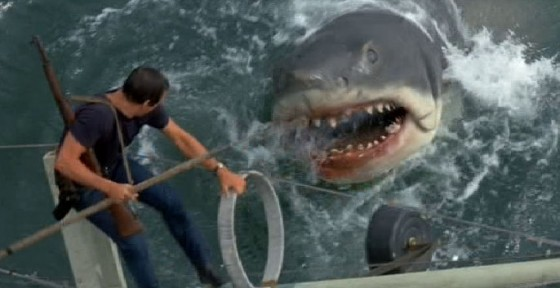 Jaws jaws 468735 686 353 560x288
