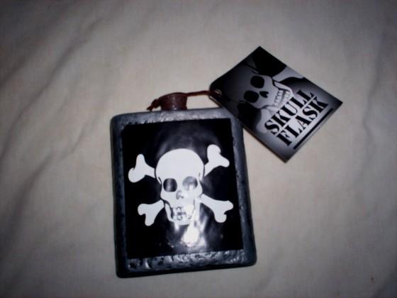 skull flask 1 560x420