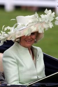 camilla hat1 200x300