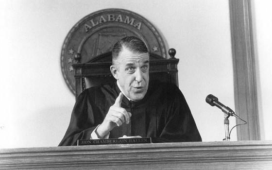 judge2 560x350