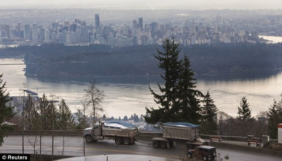 Vancouver Snow Truck 560x321
