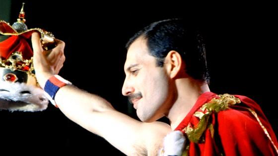 Queen Freddie Mercury singer album 560x315