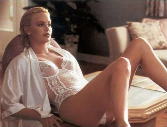 charlize theron 560x425