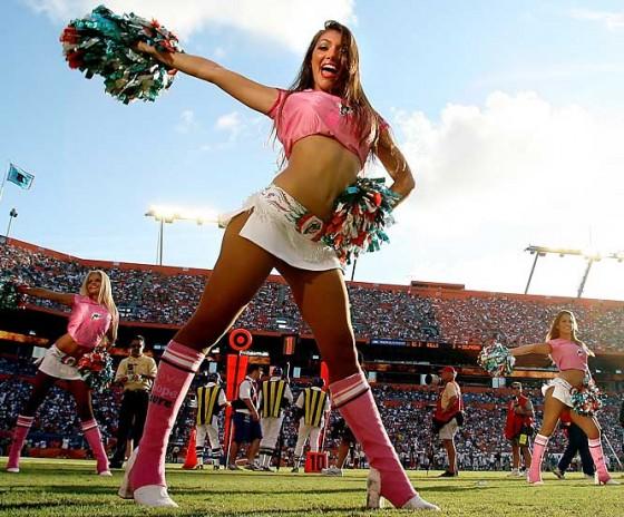 Cheerleader 560x464