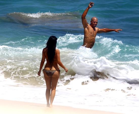 dad60 kim kardashian miles austin beach 2