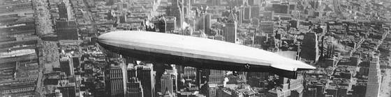 Uss los angeles airship over Manhattan e1292055808531 560x140