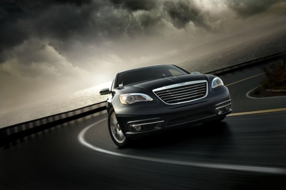 Chrysler200a 800 560x373