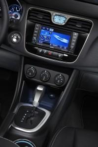 Chrysler200c 800 199x300