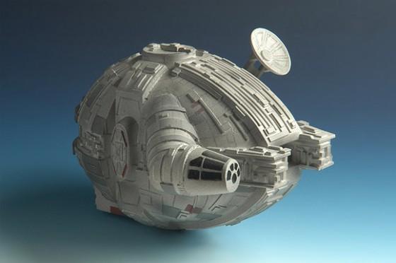 millenium falcon1 560x372