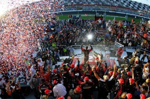 2011 Daytona Feb Trevor Bayne climb out high angle 300x199