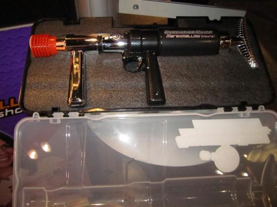 Gun 2 560x420