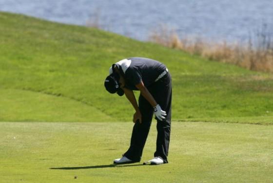 roy frustrated golfer 560x376