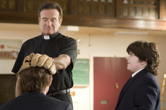 Robin Williams license to wed 560x373