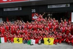 Ferrari F1 2011 Team 300x200