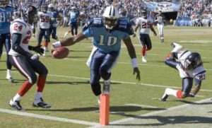 Rookie Vince Young Runs It In 300x181