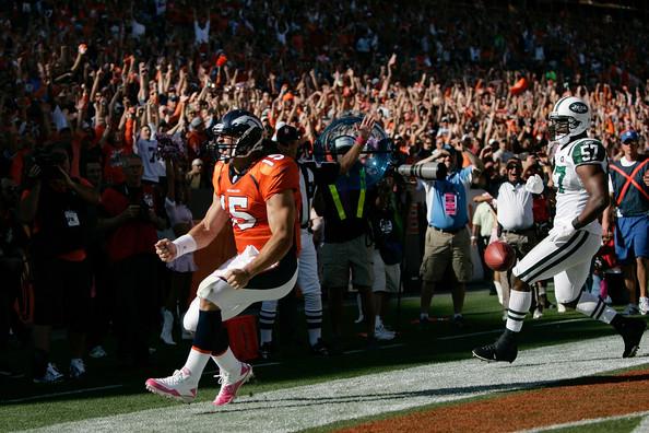 Tim+Tebow+New+York+Jets+v+Denver+Broncos+V cnpBvOtS l