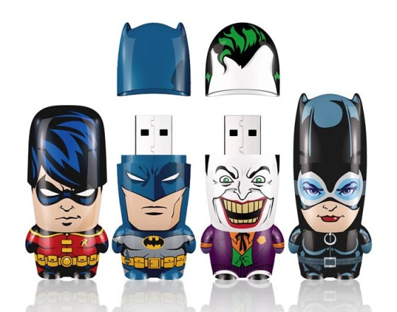 more mimoco batman mimobot usb flash drives available for preorder 1 560x440