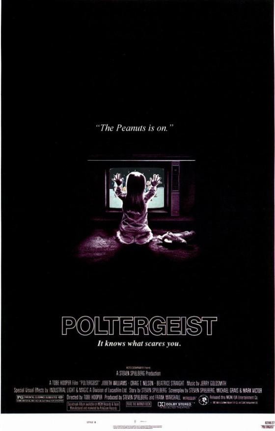 poltergeist Christmas 560x878