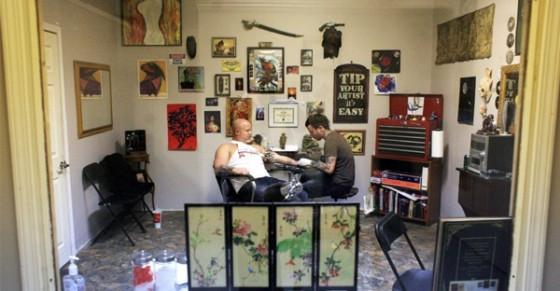 tattoo parlor 560x291
