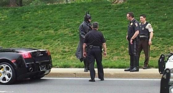 Batman Police Stop e1332778026117 560x300