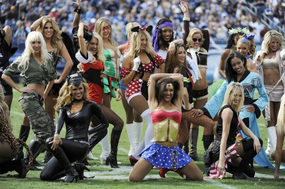 Halloween NFL Cheerleaders 001 560x372