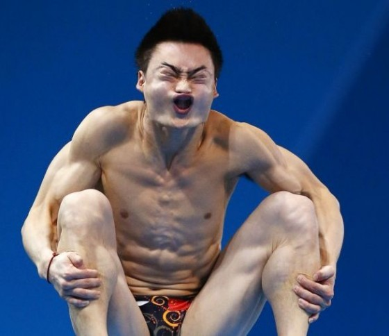 Diving face 560x484