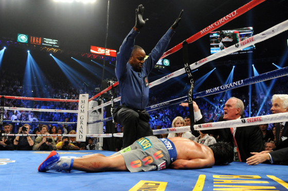 Pacquiao Knocked Out 560x372