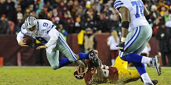 Tony Romo tackle