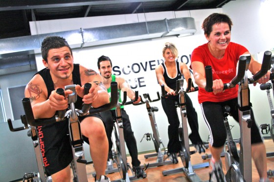 spin cycle indoor cycling class at a gym1 560x372