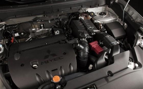 2013 Mitsubishi Outlander Sport Engine1 560x350