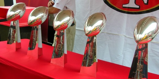 Super Bowl Trophy 560x277