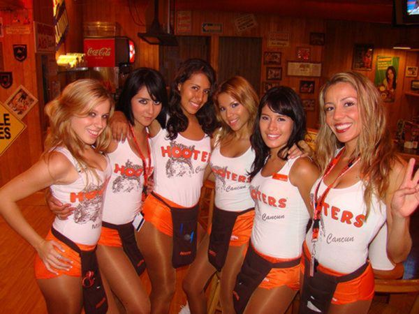 hot hooters girls09