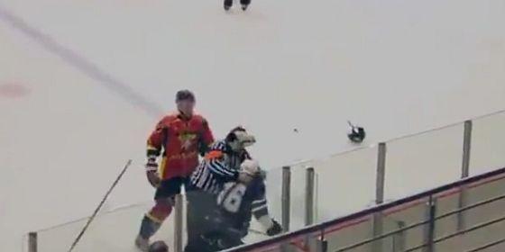 Russian hockey ref fight