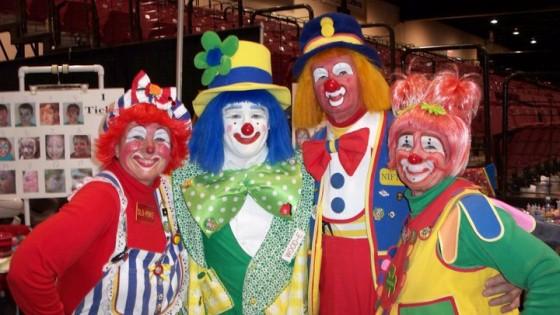 circus clowns 560x315