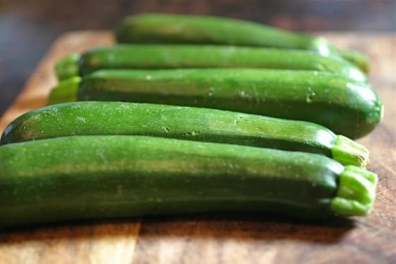 raw+zucchini 560x373