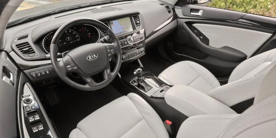 2014 Kia Cadenza Interior 01 560x280