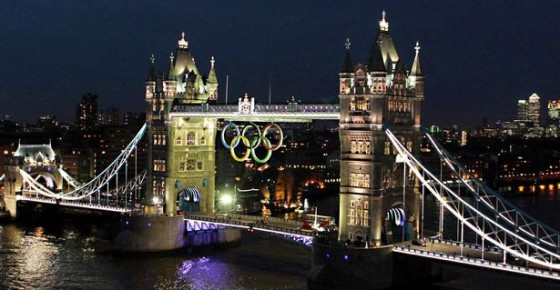 The+Olympic+rings+are+lit+up+on+Tower+Bridge+London+in+preparation+for+the+start+of+the+2012+London+Olympics. e1374678183351 560x290