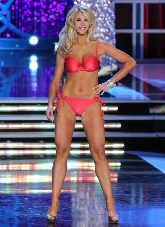 17 Laura McKeeman Fox Sports 560x771