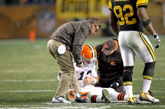 colt mccoy concussion 560x371