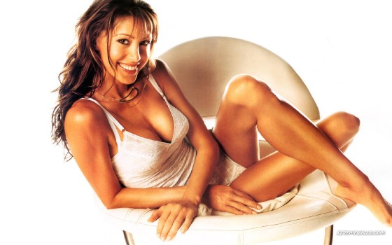 36 Shannon Elizabeth 13 Ghosts 560x350