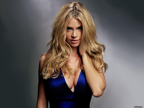 77 denise richards valentine 560x420