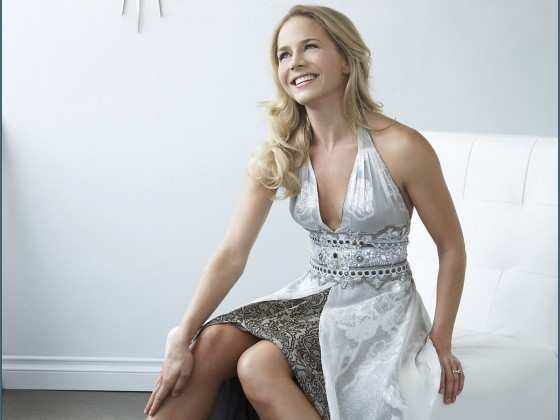80 Julie Benz Saw 5 560x420