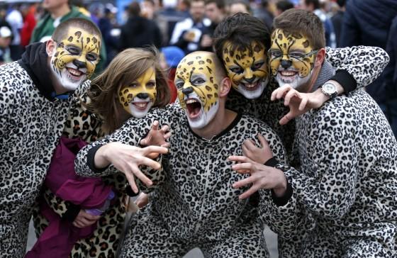 NFL Halloween Fans 01 560x364