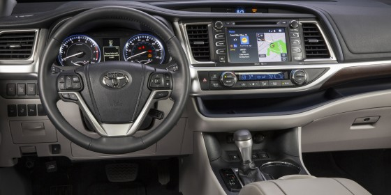 2014 Toyota Highlander Interior 1 560x280