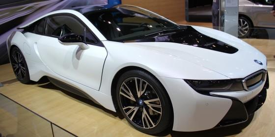 BMW i8 560x280