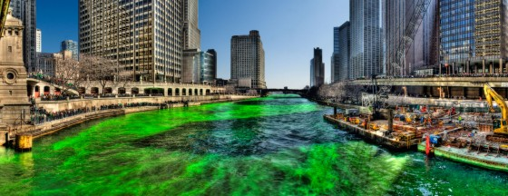 Green Chicago River on Saint Patricks Day 2009 560x215