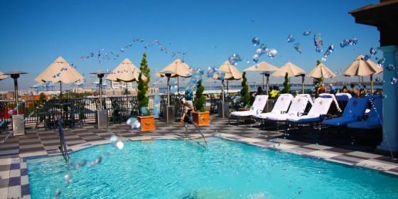 Market Pavilion Hotel Roof Pool 560x280